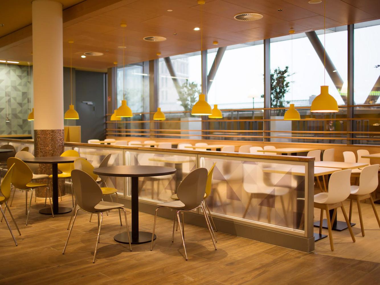Dinnebier licht gmbh foodcourt citypoint kassel 2015 for Innenarchitektur kassel